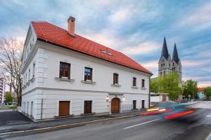 Hostel Bearlog Kočevje - Škrilj