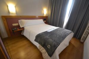 Single Room Hotel Brujas De Irues