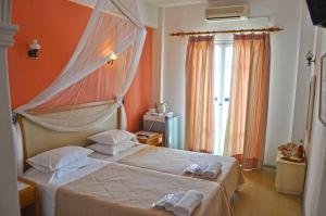 Eros Beach Hotel - Benitses