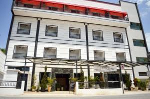 Rohedama Hotel