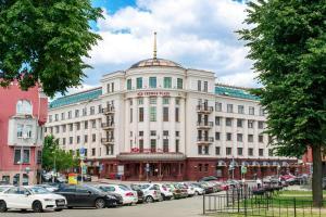 Отель Crowne Plaza, Минск