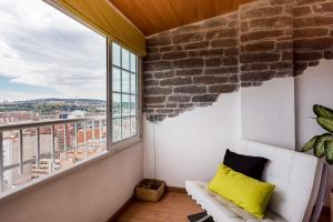 Touch The Sky Apartment - Collblanch y La Torrassa