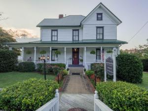 Blue Ridge Inn Bed and Breakfast - Accommodation - Blue Ridge