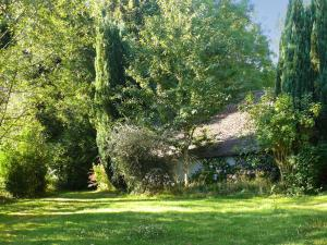 Holiday Home La Ribeaudonniere, Holiday homes  Le Virly - big - 17