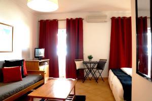 Oasis Beach Apartments, Aparthotels  Luz - big - 89
