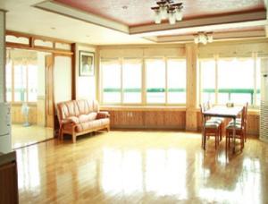 Sea And See, Holiday homes  Seogwipo - big - 20