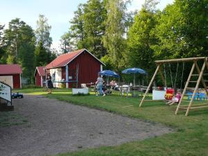 Lönneberga Hostel, Hostelek  Lönneberga - big - 77