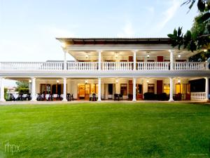 OR Tambo Guest House - Heather Bell