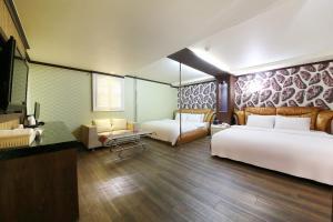 Hotel Diamond, Hotely  Suwon - big - 30