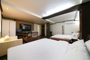 Hotel Diamond, Hotely  Suwon - big - 28