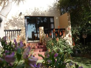A1 Kynaston Accommodation, Bed and Breakfasts  Jeffreys Bay - big - 246