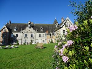 Location gîte, chambres d'hotes Château de Crocq - Chambres d'Hôtes de Charme dans le département Creuse 23