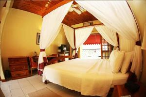 King or Double Room with Garden View Charela Inn