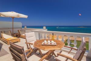 Hostales Baratos - Pyrgos Beach Hotel Apartments