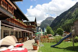 Alpenhotel Widderstein - Hotel - Mittelberg