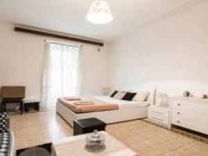 Maison De Chantal - abcRoma.com
