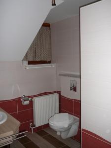 Ciklámen apartman, Appartamenti  Gyenesdiás - big - 32