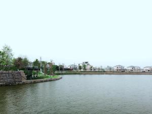 Serene Lake Condominium - Ban Tamnak