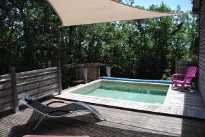 Location gîte, chambres d'hotes Insolite Bois Cailloux avec Spa dans le département Ardèche 7