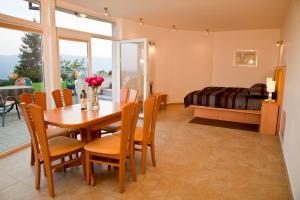 Apartma Sonce Balkonce - Apartment - Tržič