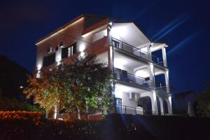 Apartments MaXhit, Apartmány  Tivat - big - 109