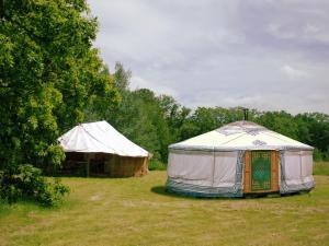 Location gîte, chambres d'hotes Yourte d'Aiguevives dans le département Indre et Loire 37