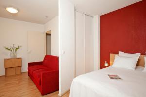 Location gîte, chambres d'hotes Séjours & Affaires Paris-Nanterre dans le département Haut de seine 92