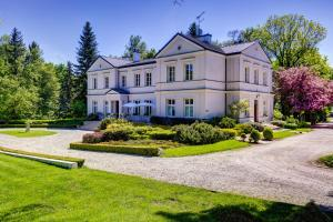 . Biały Pałac Palczew