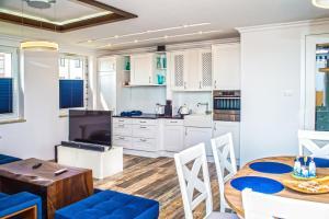 Family Homes Apartament Blue Fin