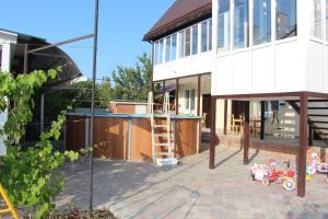 Guest house on Primorskiy - Vorontsovka