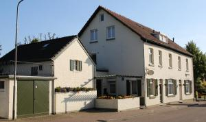 Walnut Lodge Bed & Breakfast - Sint-Martens-Voeren