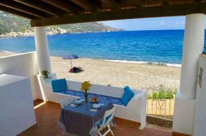 Casa Canale Lipari - AbcAlberghi.com