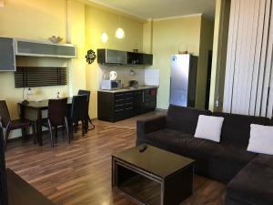 Luxury Seaview apartments in Arcadia, Apartmány  Odesa - big - 6