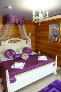 Отель Флагман, Никола