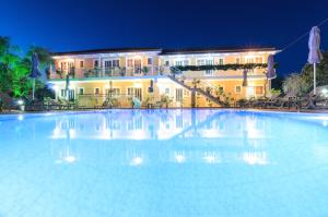 Artemis Apartments - Kypseli