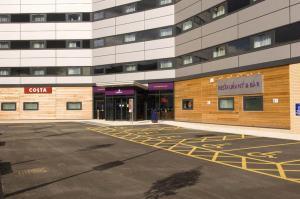 Premier Inn Manchester Airport Runger Lane North, Hotely  Hale - big - 24