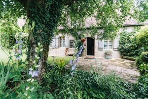 Location gîte, chambres d'hotes Chateau Vue Boussac Chambres d'Hôtes dans le département Creuse 23
