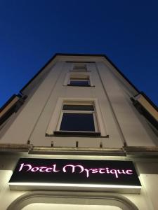 Hotel Mystique - Bommersheim