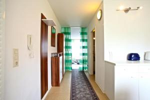 4310 Privatapartment Best Laatzen Mitte, Apartmány  Hannover - big - 11