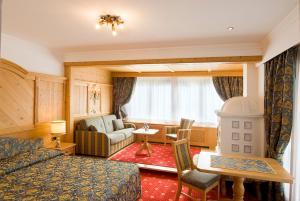 Alpen Hotel Corona, Hotely  Vigo di Fassa - big - 53