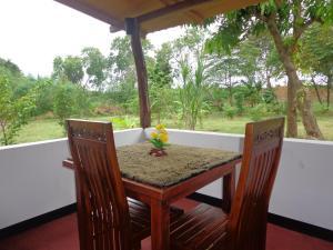 Habarana Lakeside Resort - Galkadawala