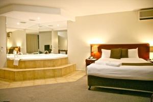 City Park Hotel, Отели  Мельбурн - big - 51