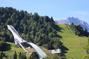 Alpen - Apartments, Apartmány  Garmisch-Partenkirchen - big - 12