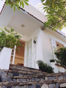 Des Ami Villa