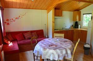 Camping Etang Vallier - Baignes-Sainte-Radegonde