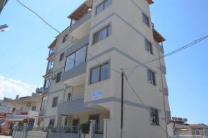 Apartments Vila Roboci