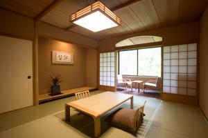 Kuriya Suizan, Hotel  Jozankei - big - 4