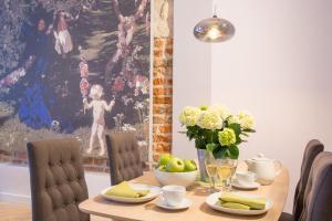 Cadena Gallery Apartments