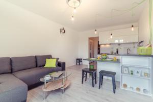 Rent like home - Apartament Urbanistów 4