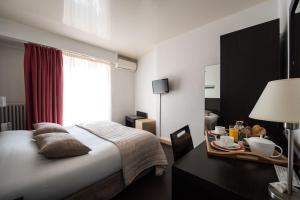 Hôtel Comté de Nice, Hotely  Beaulieu-sur-Mer - big - 38